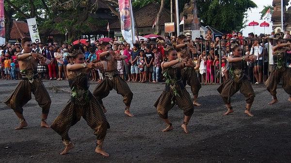 Menikmati bali di sanur village festival