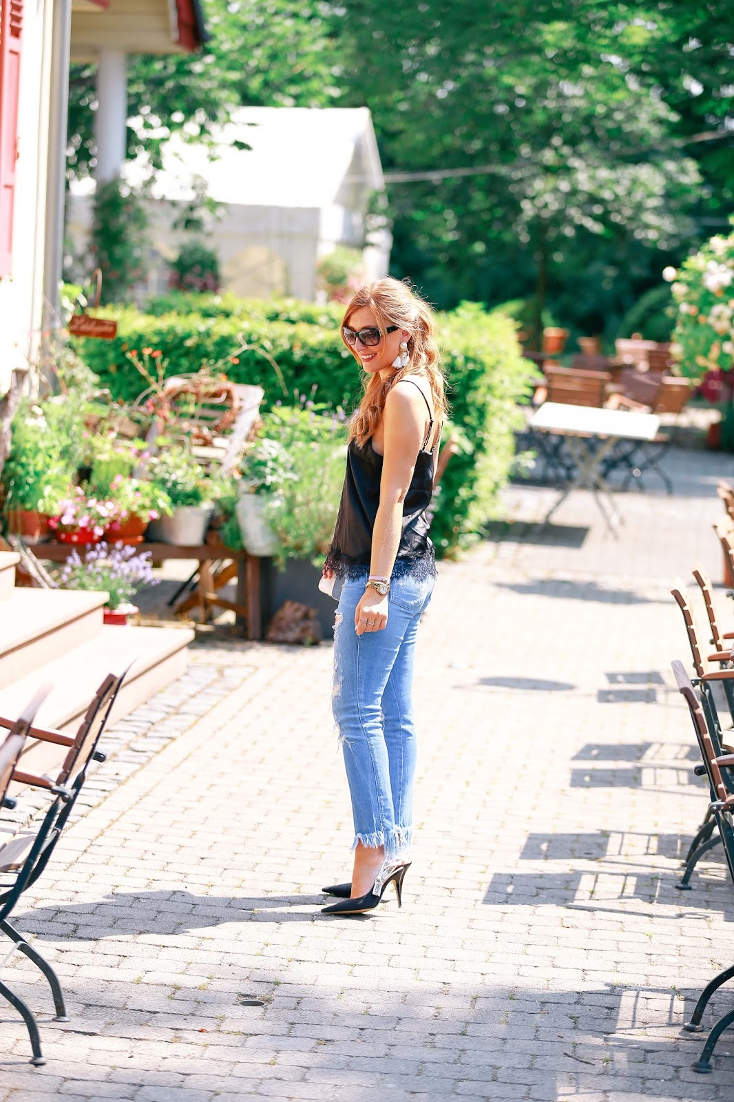 Ripped-Jeans-Seidentop-Jadior-High-heels-christian-dior-fashionblogger-bloggerstyle