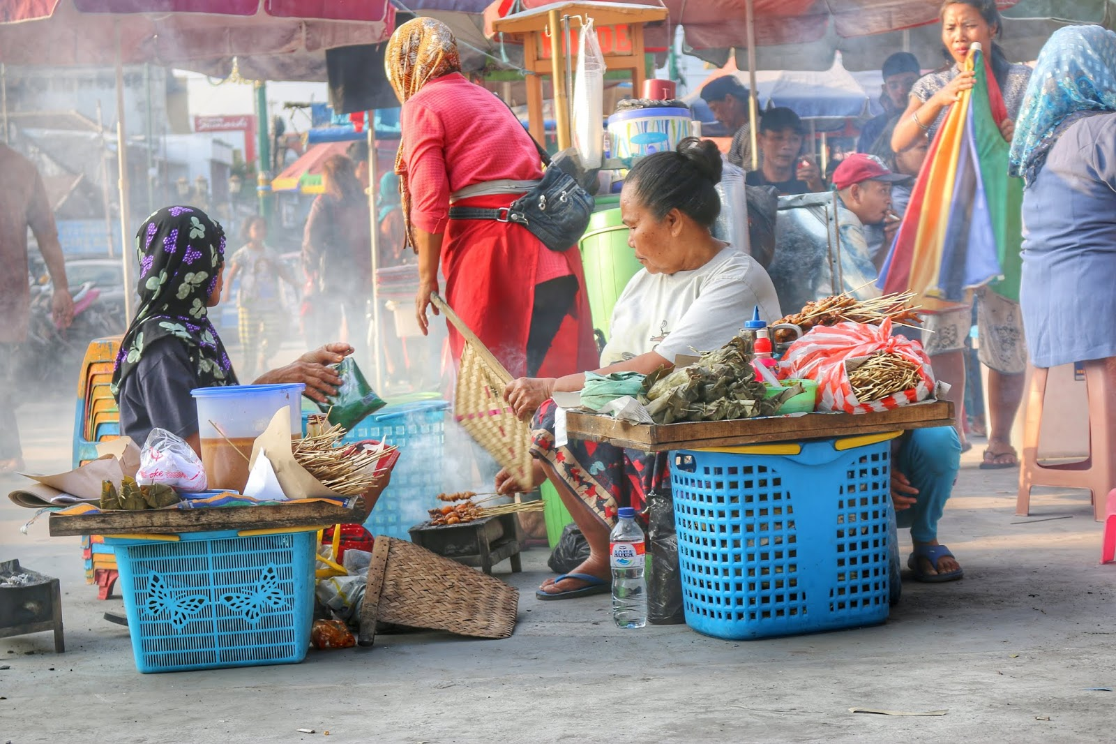 street photography pasar beringharjo jogjakarta