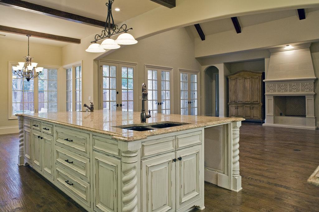 Kitchen Island Corner Molding White Distressed Colors Ideas With Best  Granite Countertops And Classic Sink Ideas