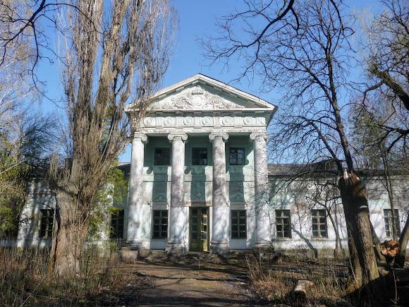 Прелесне, Слов'янський район, Донецька обл. Палац Бантиша. 1837 р.