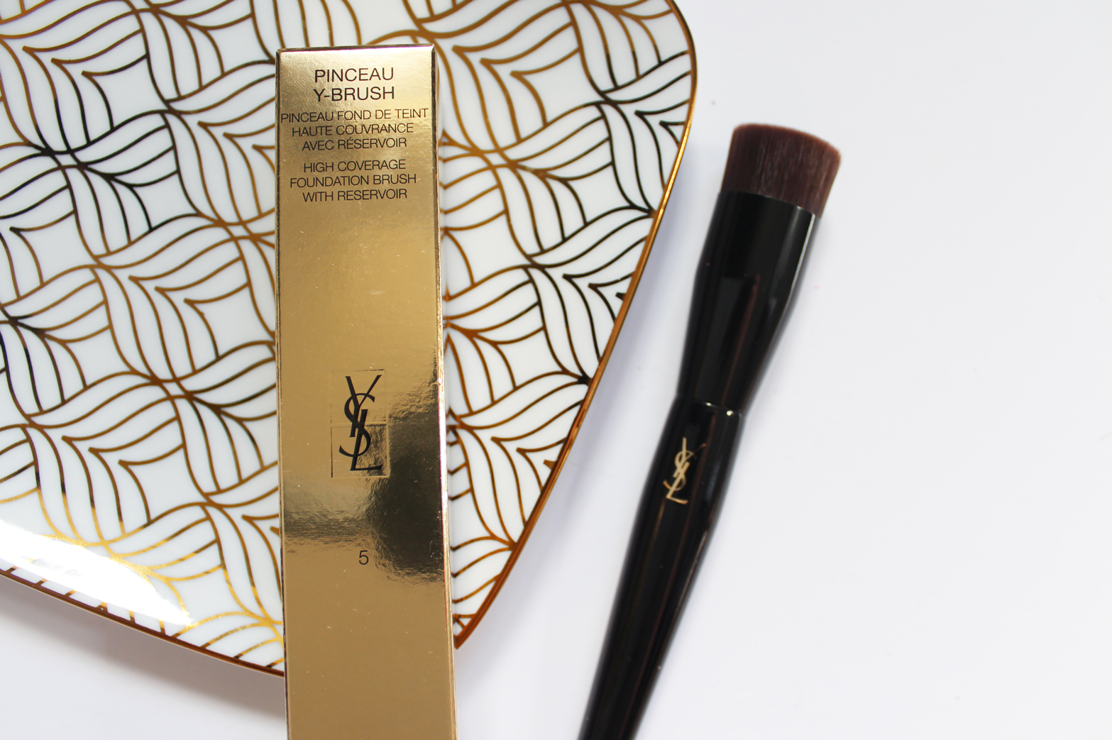 YSL | Touche Eclat Le Teint Foundation + Y Foundation Brush - CassandraMyee