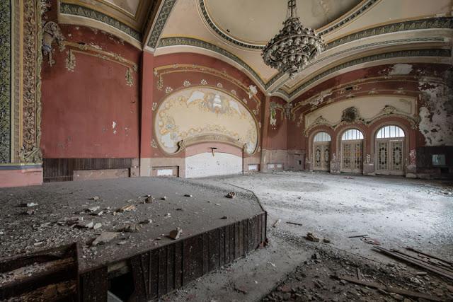 omorfos-kosmos.gr - Αυτό το εγκαταλελειμμένο καζίνο ήταν κάποτε το πιο μαγευτικό κτήριο στη Ρουμανία (Εικόνες)
