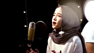 Lagu Nissa Sabyan Mp3