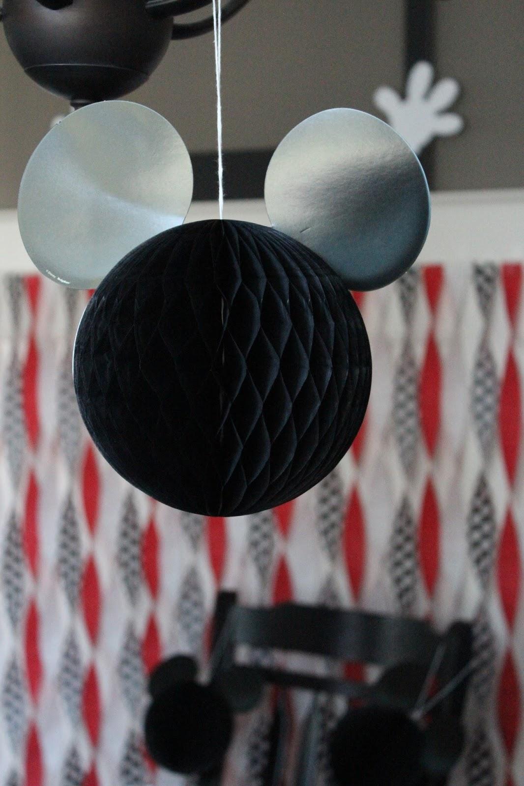 Mickey Mouse Honeycomb Balls
