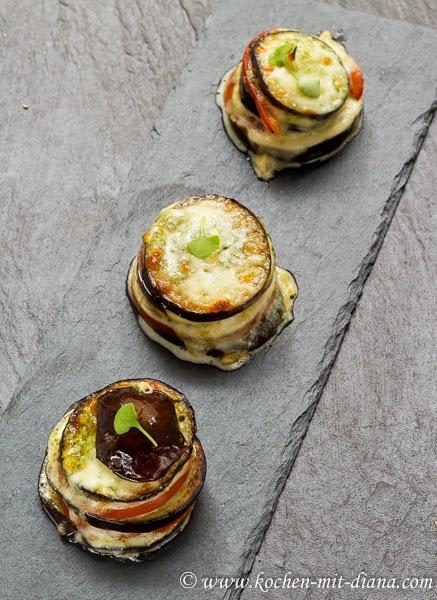 Auberginen-Mozzarella-Türmchen