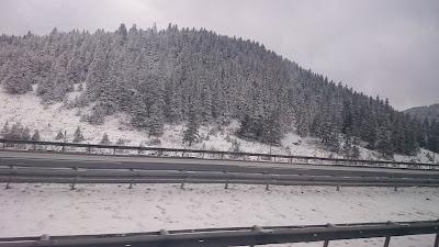 kar yağıyor