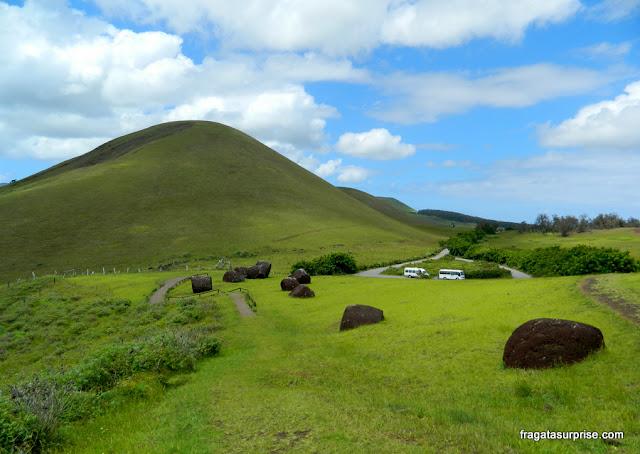 """Pedreira Puna Pao, onde eram esculpidos os """"chapeuzinhos"""" das grandes estátuas da Ilha de Páscoa"""