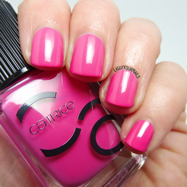 Catrice ICONails 31 Vegas Is The Answer smalto nail polish