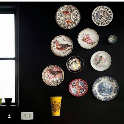 decoração-descolada-pratos-na-parede