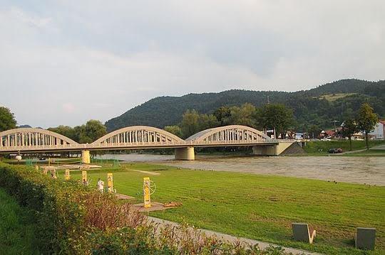 Most nad Dunajcem.