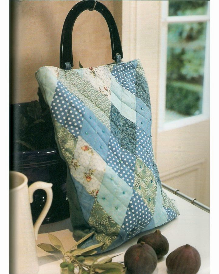 25 patchwork purses, totes, and bags. DIY tutorial.