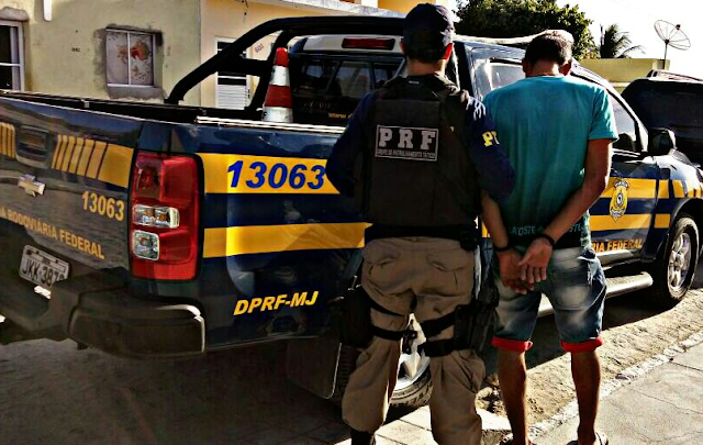 Suspeito de agiotagem é preso pela PRF em Santana do Ipanema