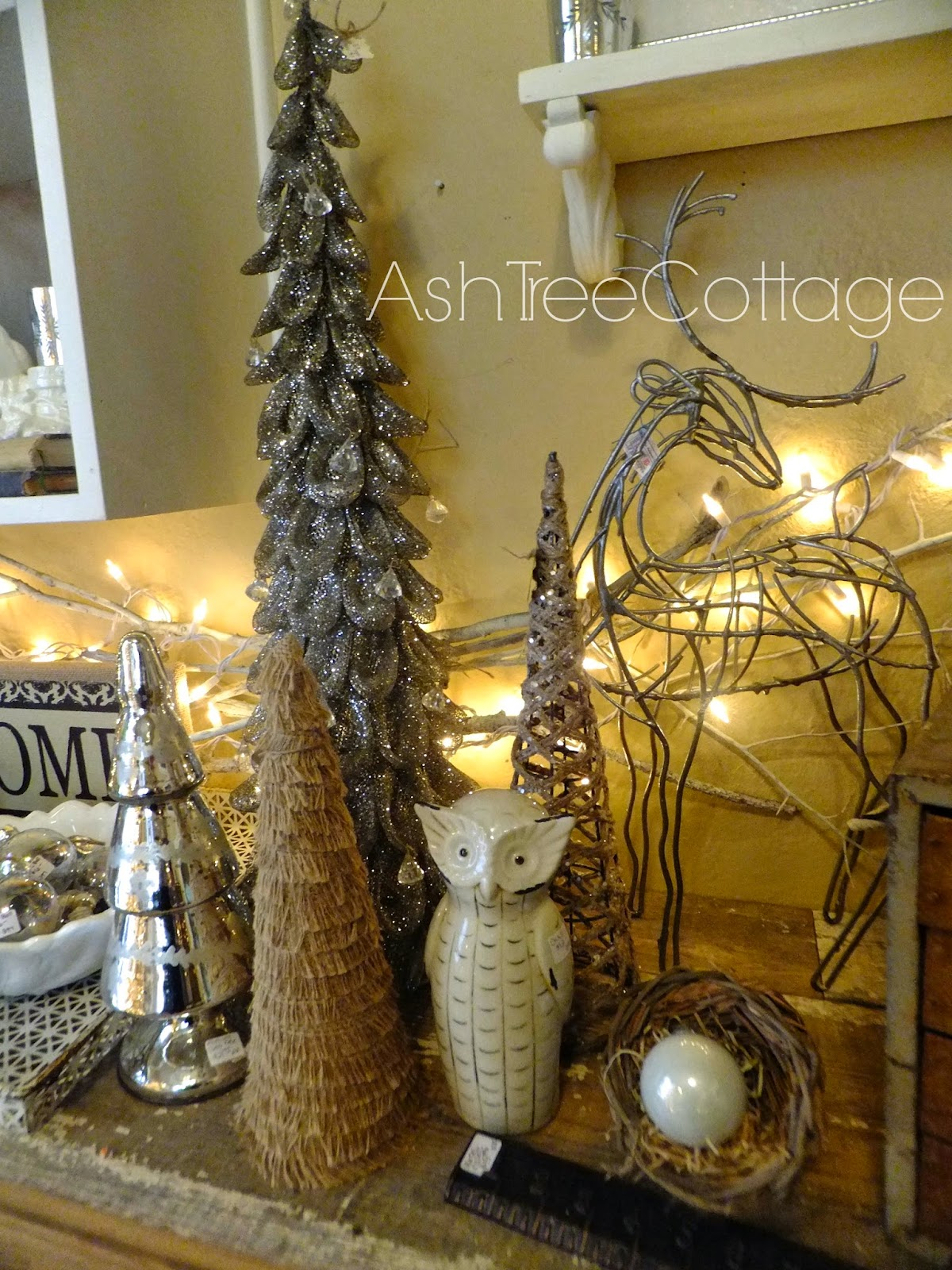 I thought I would share some Texas Hill Country Decorating ideas & Ash Tree Cottage: Hill Country Christmas Decorating Ideas
