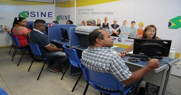 Empresas abrem 812 vagas de emprego no Estado do Rio