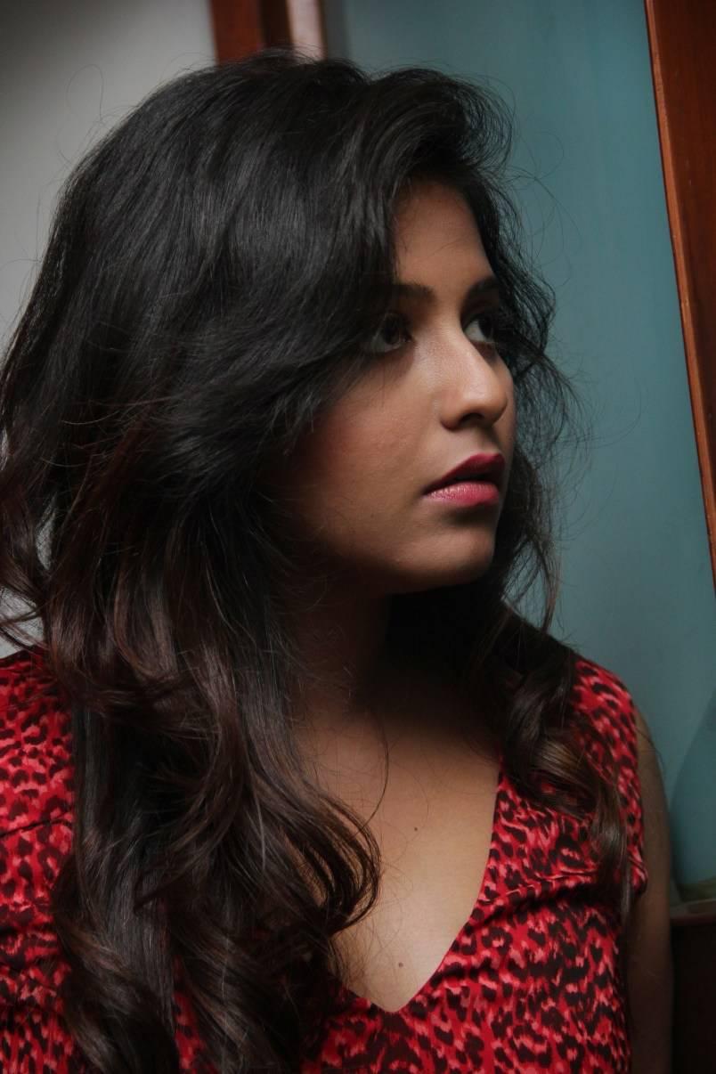 Film Actress Anjali Hot Face Closeup Photos