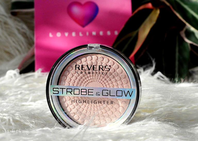 Loveliness by ShinyBox ♥ Lutowe pudełko Shiny Revers Cosmetics Puder rozświetlający Strobe & Glow