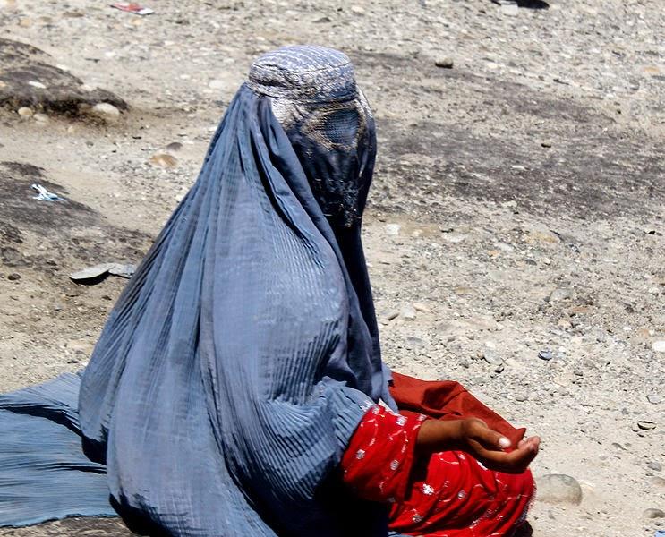 """Todd Huffman, Shakib Siba """"Nad Afganistanem Bóg już tylko płacze"""", Okres ochronny na czarownice, Carmaniola"""