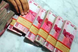 Pinjaman, Uang