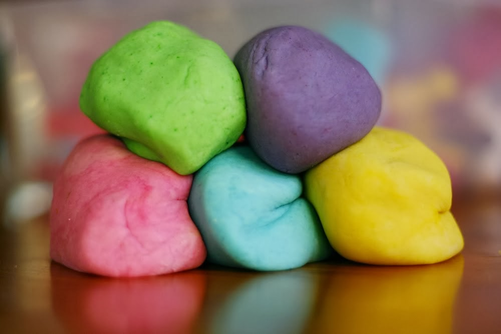 Natural Aromatherapy Play Dough Recipe - Aromatic Boutique ...