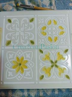 Stencil-azulejo-hidráulico-perchero-handmade-Crea2-Con-Pasión-primeros-pasos-estarcido