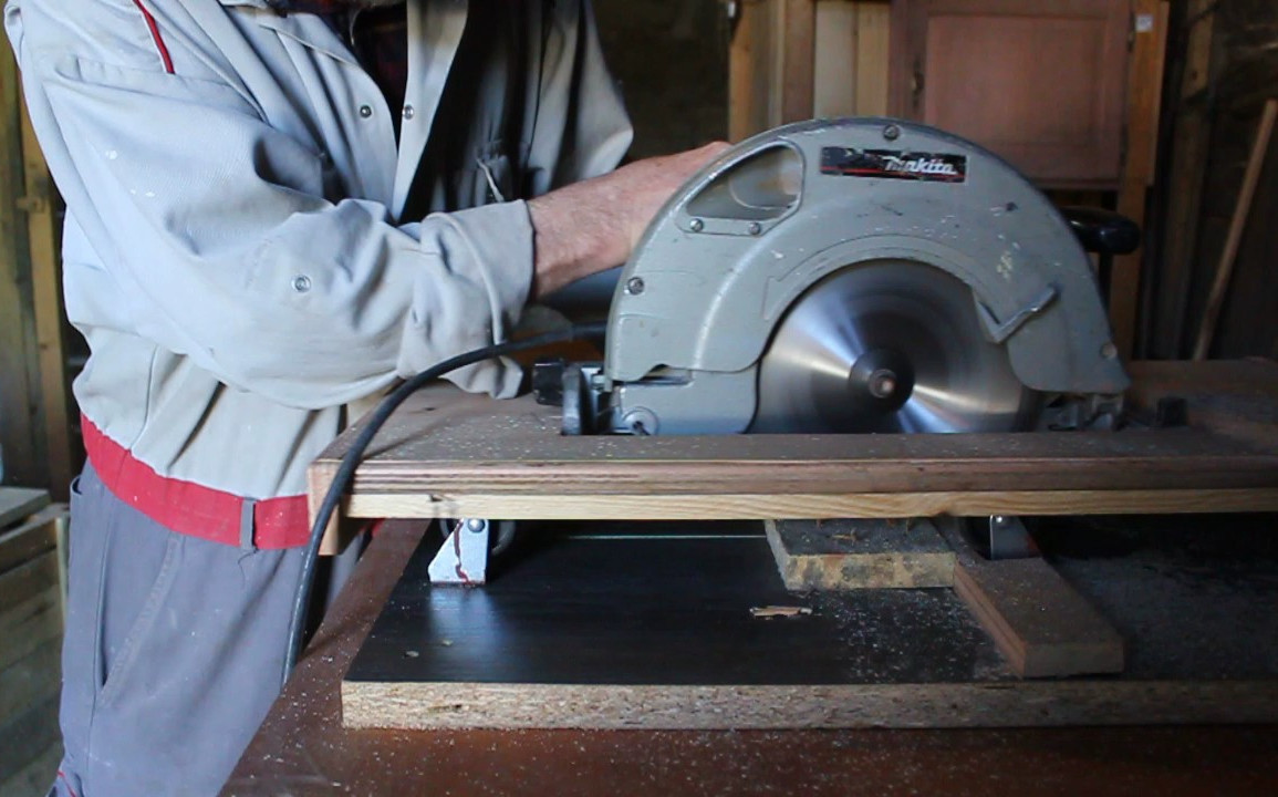 How to make a cross cut saw table