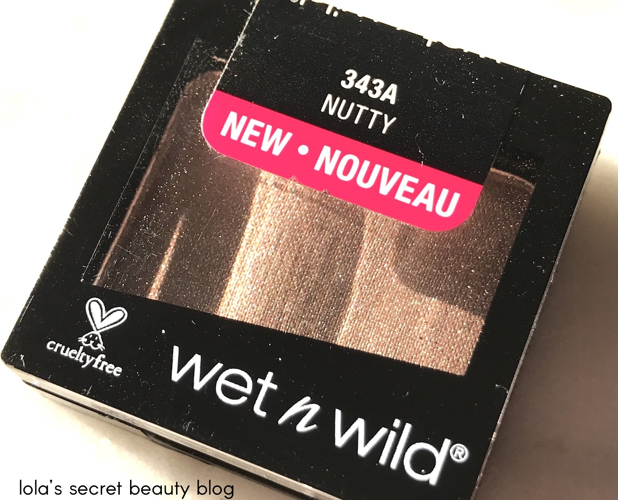 Wet N Wild Color Icon Eyeshadow Single In Nutty Is A Beautiful Taupe Shimmer That Surprisingly Creamy And Smooth For Such An Affordable Shadow
