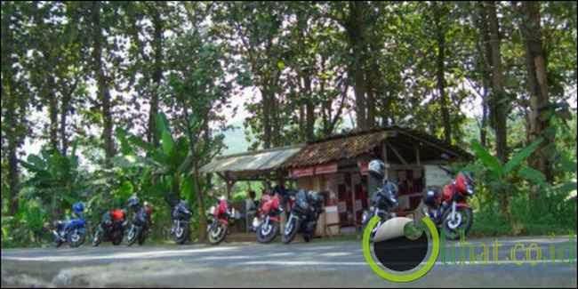 Jalan di Sekitar Alas Bonggan (Kota Gaib)