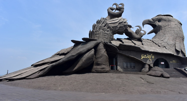 The Largest Bird Sculpture On Earth Took Artists 10 Years To Complete