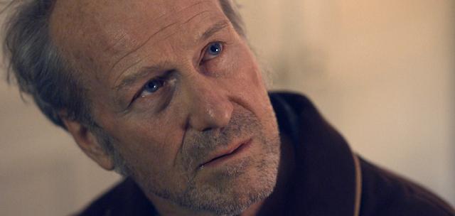 William Hurt în serialul Sci-Fi HUMANS