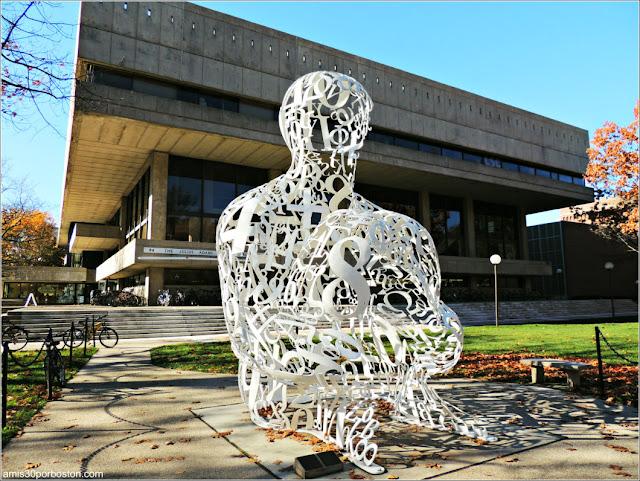 """""""El Alquimista"""" de Jaume Plensa en el MIT de Cambridge"""