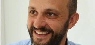 Πέθανε ο 47χρονος δημοσιογράφος Νίκος Τσίτσας