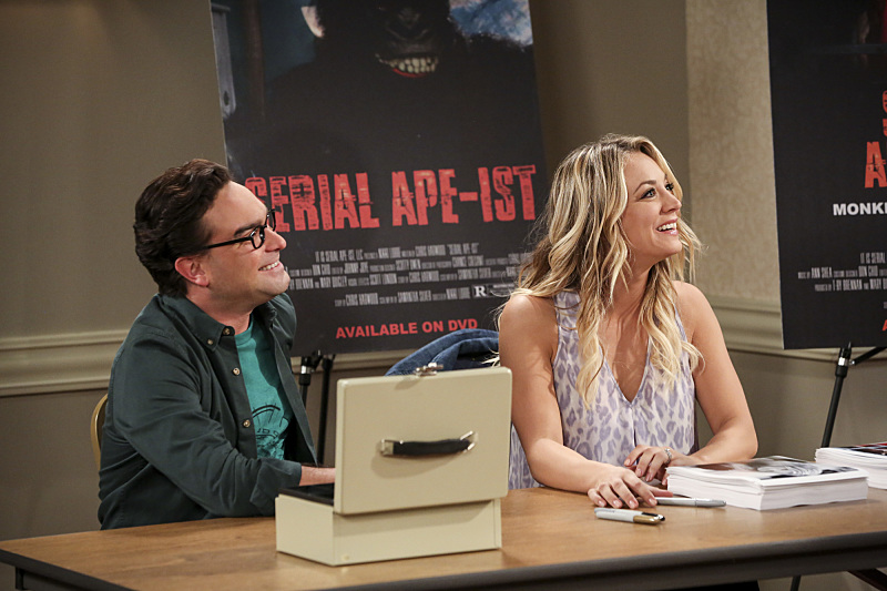 The Big Bang Theory Penny y Leonard en una comic-con