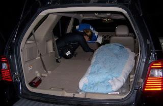Memang tidur didalam mobil terlebih lagi jika kondisi AC dinyalakan saat di siang hari sa Tips Agar Tidak Keracunan Tidur Didalam Mobil Saat Parkir Mesin Masih Menyala