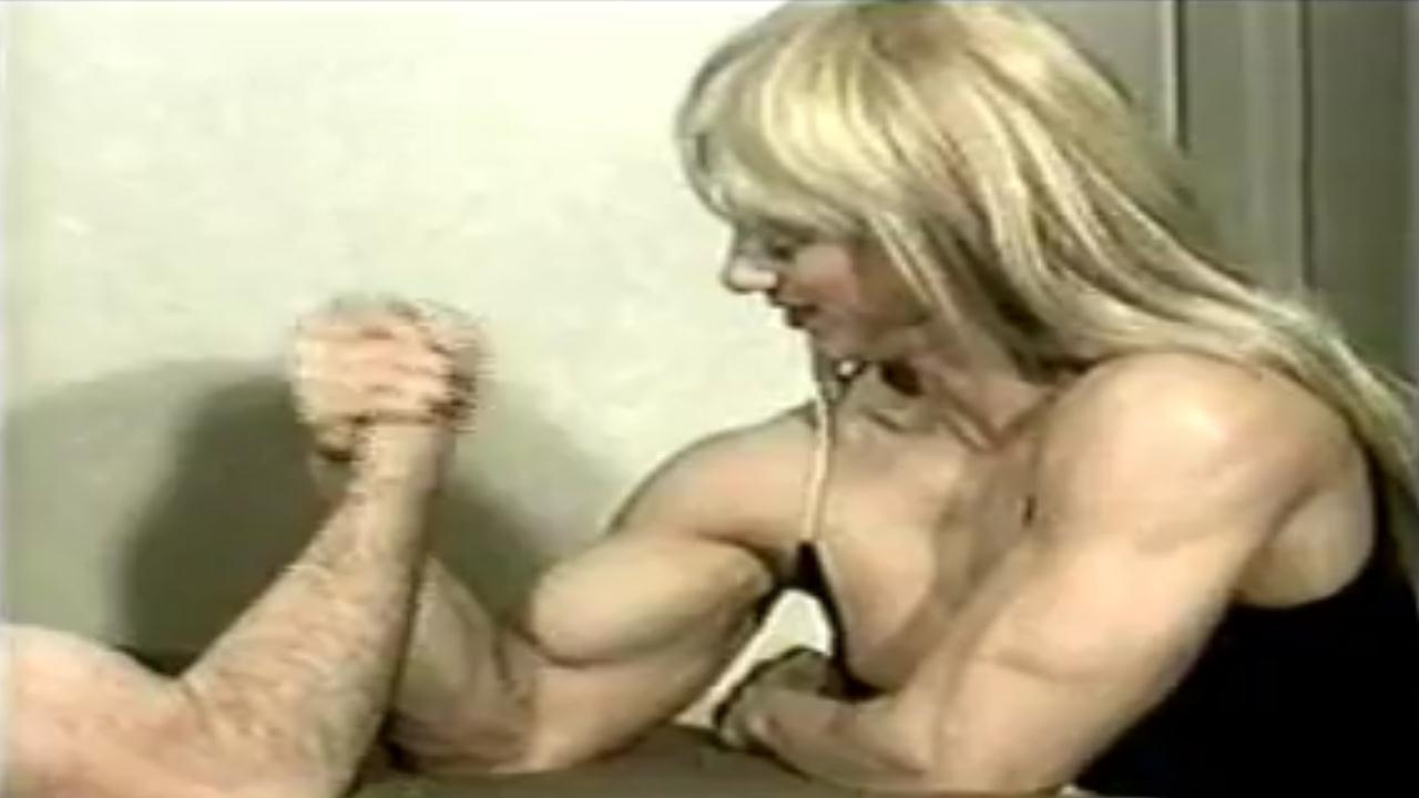 Women Flex Muscles Vs Men, Mixed armwrestling