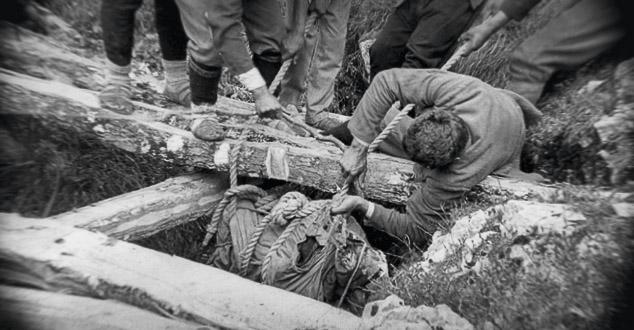 ЦРНОГОРСКА ГОЛГОТА: Како су комунисти разапињали свештенике и бацали у јаме!