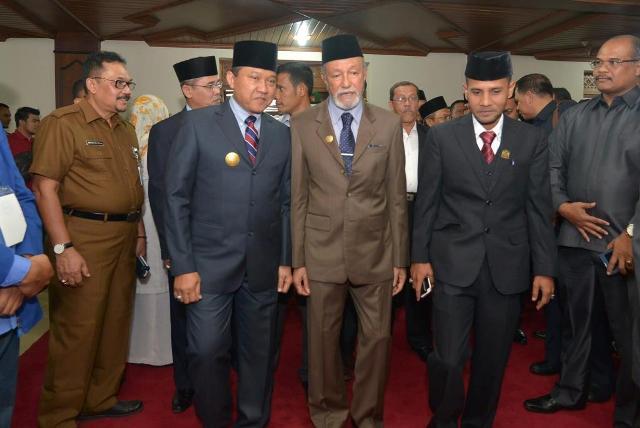 Hari Pertama Plt Gubernur Aceh Ikut Rapat Paripurna di DPR Aceh