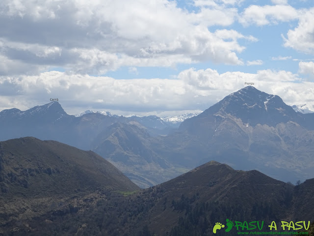 Pierzu y Carriá desde el Pico Cogolla