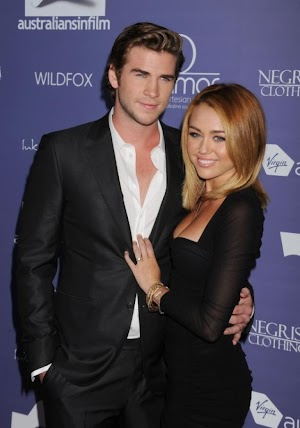 Miley Cyrus shoots down rumors that wedding with Liam Hemsworth is called off, briefly quits Twitter