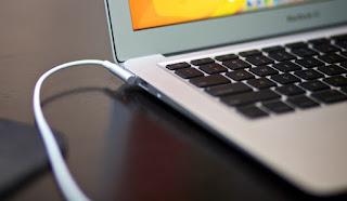 6-Kebiasaan-Yang-Dapat-Memicu-Kerusakan-Pada-Laptop