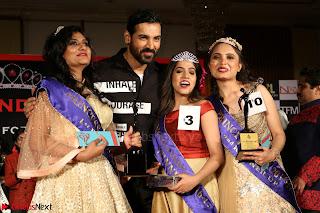 John Aham, Bhagyashree, Subhash Ghai and Amyra Dastur Attends Princess India 2016 17 028.JPG