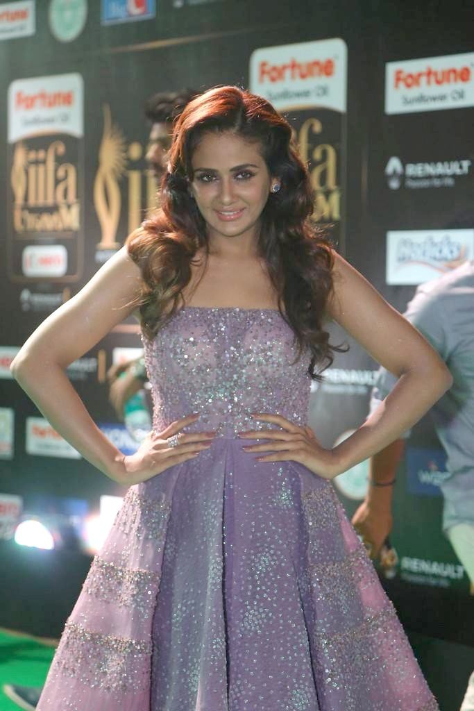Kannada Actress Parul Yadav At IIFA Awards 2017 In Blue Dress