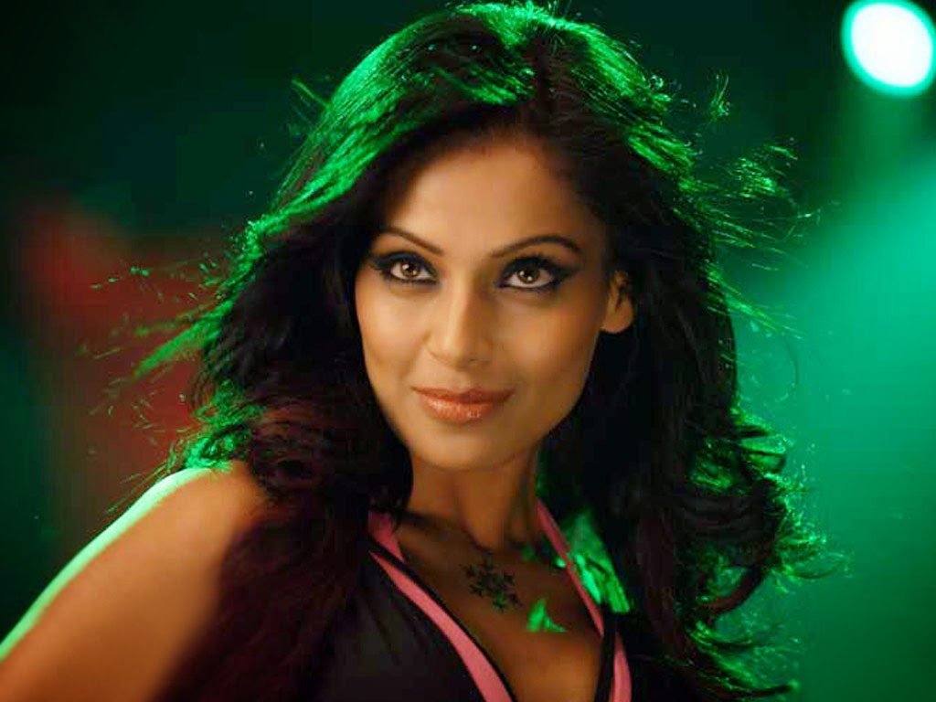 Bollywod Actress Bipash Basu Hot Hd Wallpaper She Is One -2014