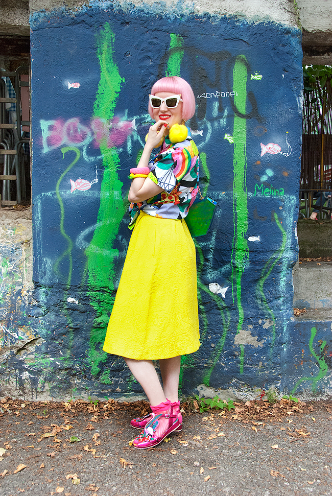 blogger style, yellow midi skirt, fashion