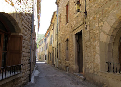 Pueblo de Lagrasse. Ruta por los pueblos del País Cátaro. Francia