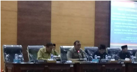 DPRD Sumbar,Pemprov Lakukan Pembahasan 2 Ranperda  Hak  Keuangan Dan ADM  Pimpinan DPRD