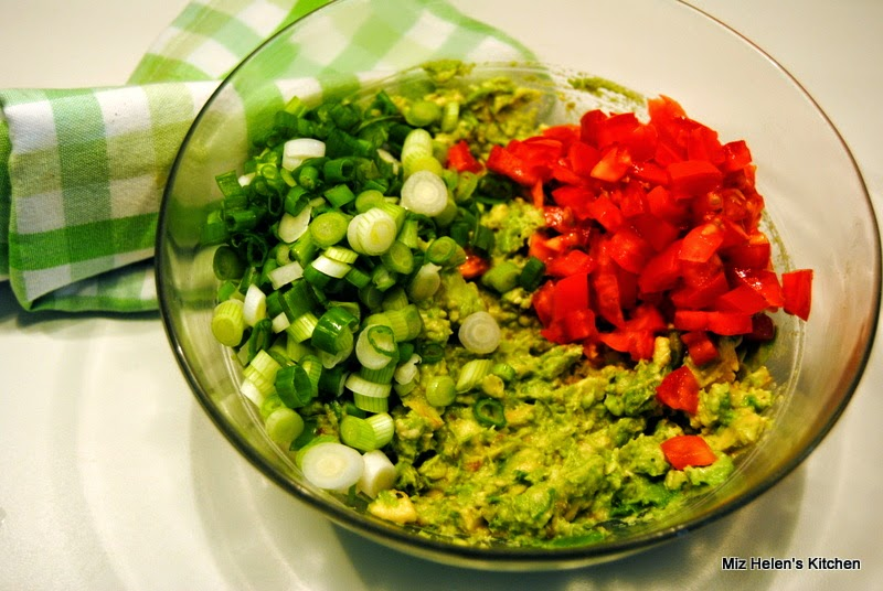 Miz Helen's Guacamole at Miz Helen's Country Cottage