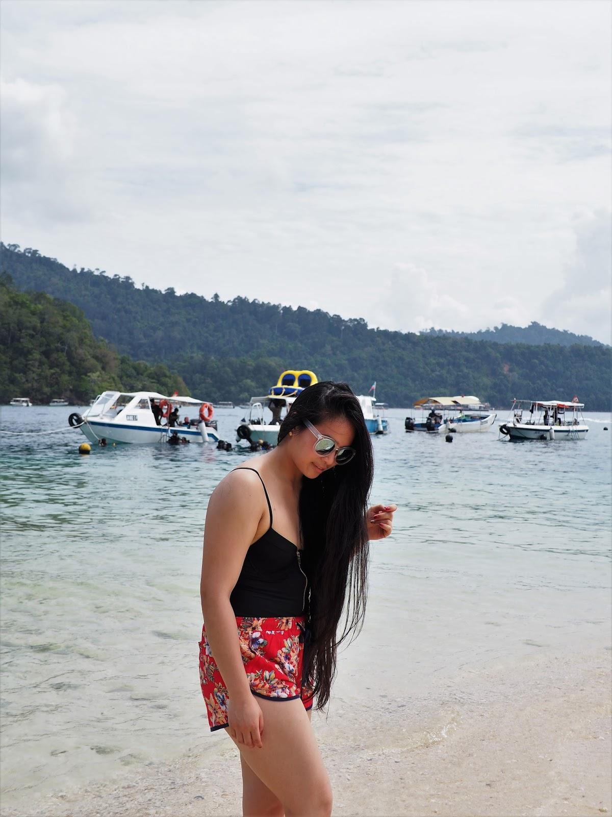 Malaysia Kota Kinabalu One-piece zip up swimming beach