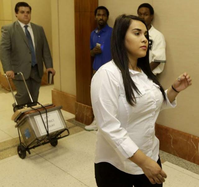 Maestra que se embarazó de su alumno, sentenciada a 10 años
