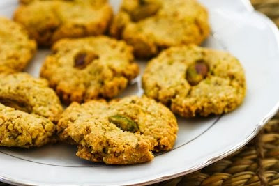 Fifteen low-sugar (or sugar-free) cookies to bake for the holidays, and many are gluten-free as well! (found on KalynsKitchen.com)